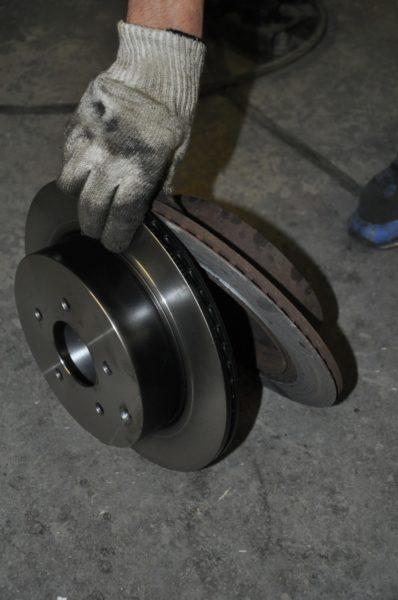 Замена тормозных дисков на Инфинити