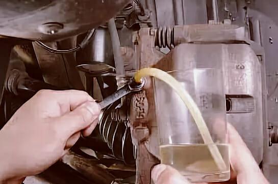 Замена тормозной жидкости Ниссан