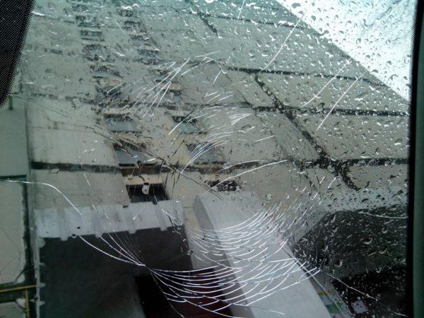 разбитое лобовое стекло ниссан кашкай